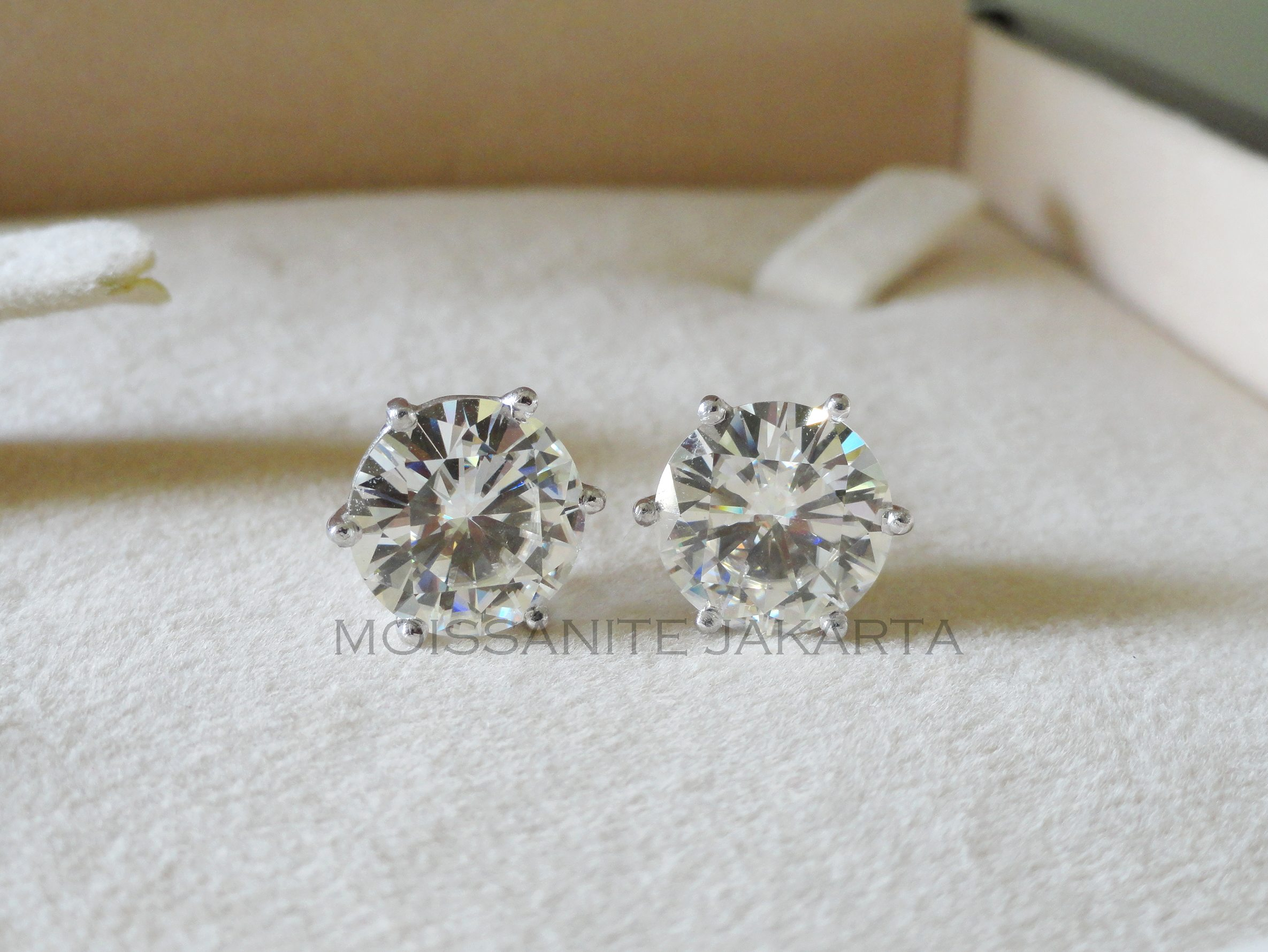 moissanite white prong jewellery earrings shaped heart moissy products fine